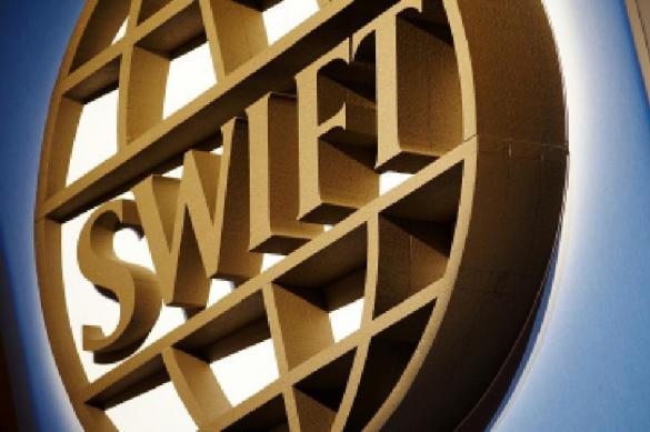 Ничего страшного: почему в России не боятся отключения от SWIFT