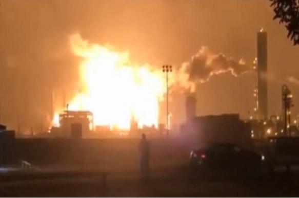 Нефтехимический завод взорвался в Техасе