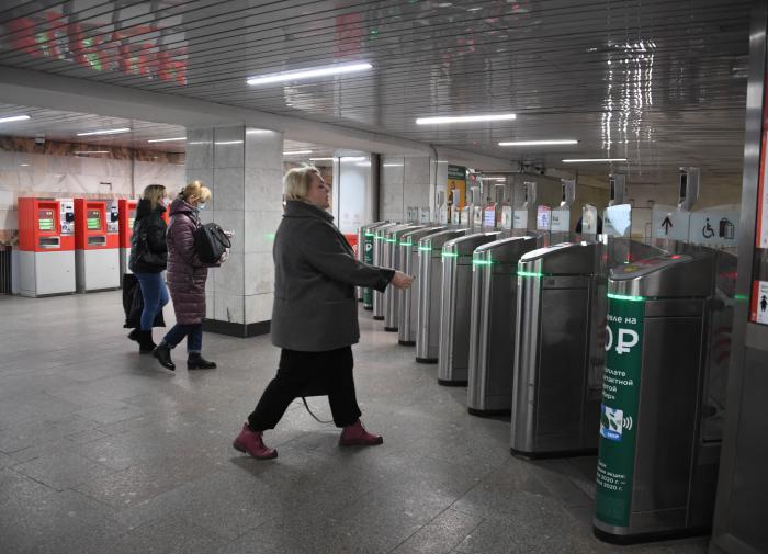 Все станции метро в Москве возобновили работу в штатном режиме