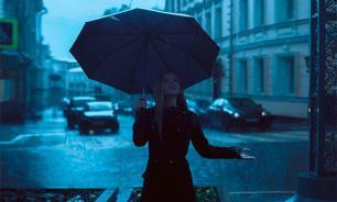 Москву заливает рекордным ливнем