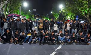 В Ереване протестующие ворвались в здание Общественного радио