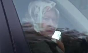 Елизавету II заметили за рулем внедорожника