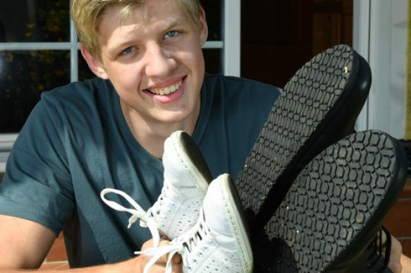 Житель Германии с 57-ым размером ноги попал в Книгу рекордов Гиннесса