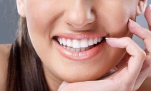 Стоматолог назвал полезные и вредные продукты для здоровья зубов