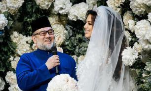 """Экс-король Малайзии развелся с """"мисс Москва"""" из-за сомнений в отцовстве"""