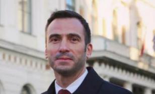 Фазель назвал снятие флага Белоруссии предвыборной кампанией мэра Риги