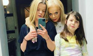 Дочь Долиной пригрозила проклятием и мордобитием обидчикам своего ребёнка