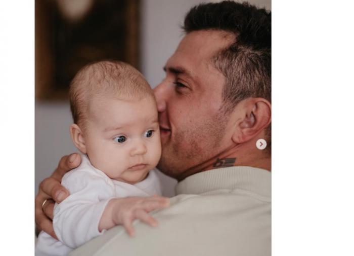 Подписчики поздравляют Прилучного с рождением ребёнка