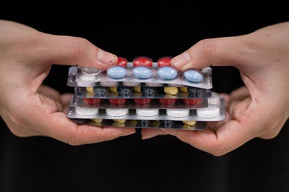 Врачи предупредили об опасности бесконтрольного приема витаминов