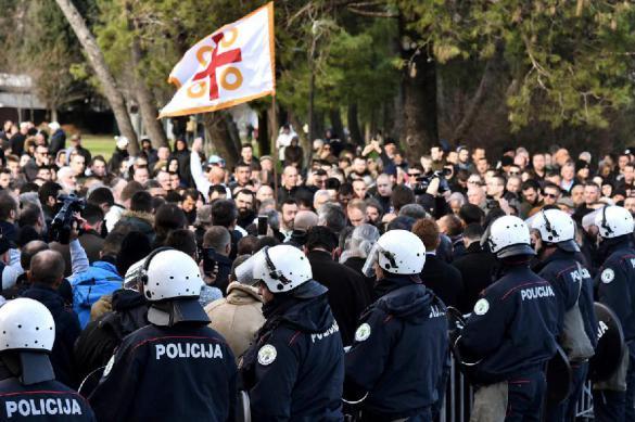 Как спорт поддерживает протестующих в Черногории