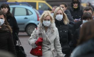 Иммунолог призвал привитых от COVID-19 россиян носить маски