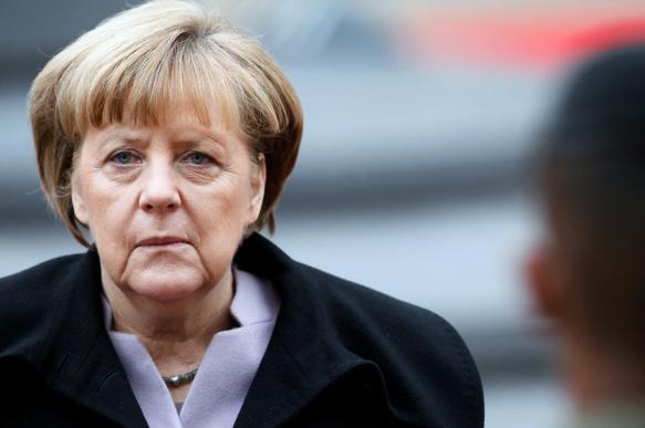 Меркель уверена в успешном завершении строительства