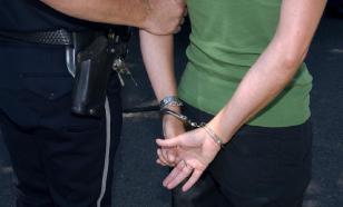 В США учительницу осудили за интим и курение марихуаны с учеником