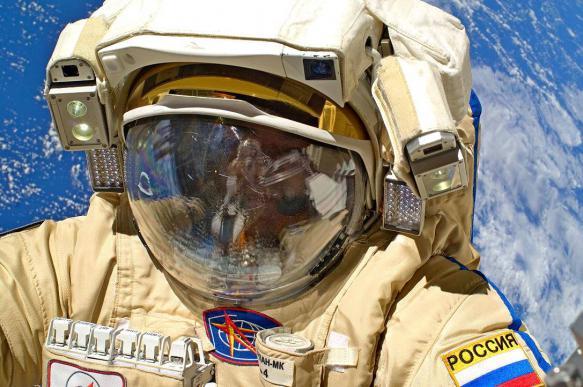 В 2021 году российским космонавтам будут выдавать оружие