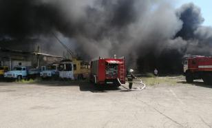 В Астрахани на территории троллейбусного парка произошел пожар