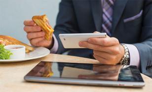 Ученые рассказали, почему у владельцев смартфонов появляется грыжа
