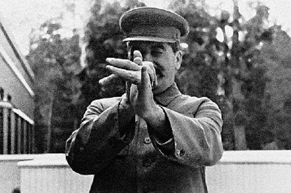 В 71% опросов россияне выбирают Сталина, а не Путина