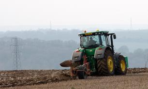 Кулибины: В России трактора и танки работают и на самогоне