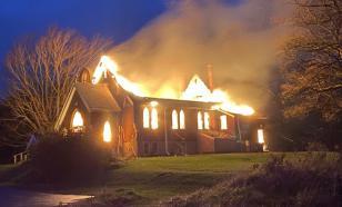 Две христианские церкви сгорели за одну ночь в Канаде