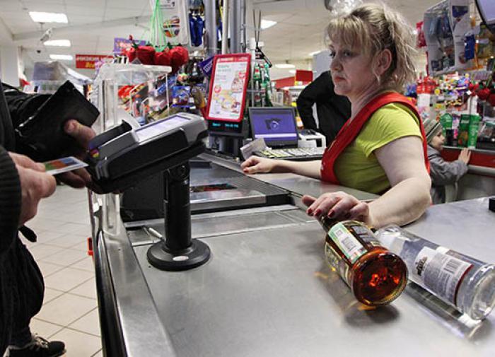 Член ОПРФ хочет ограничить продажу алкоголя в новогодние праздники