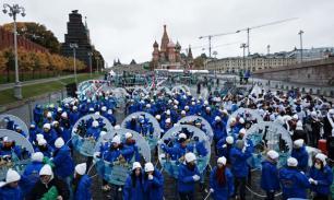 Фестиваль молодежи и студентов открылся карнавалом в Москве