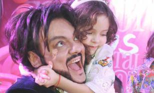 Филипп Киркоров показал фото восьмилетней дочери с ярким макияжем