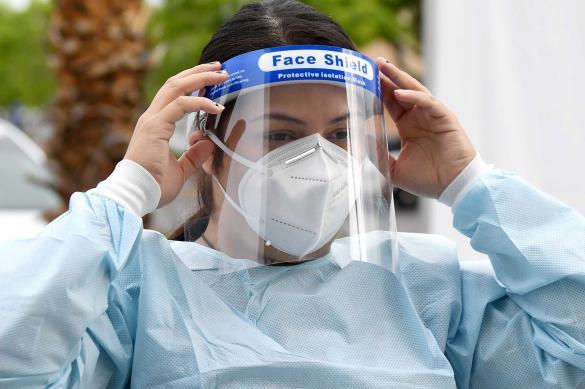 Эксперт оценил эффективность пластикового щитка для защиты от COVID-19