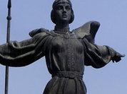 Памятнику основательницы Киева увеличили бюст
