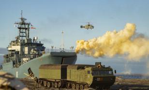 Военные корабли Северного флота России провели тактические учения в Арктике