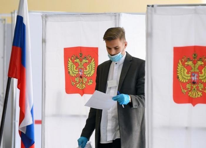 На избирательном участке задержали помощника депутата от КПРФ