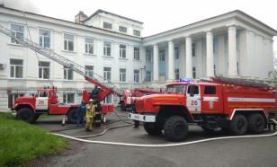 В Приморье, в городе Партизанске загорелась кровля больницы