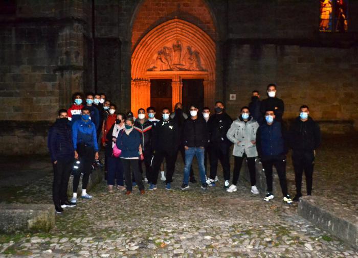Мусульмане во Франции провели акции в поддержку христиан