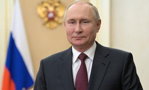 Почти 60% россиян положительно отзываются о работе Путина