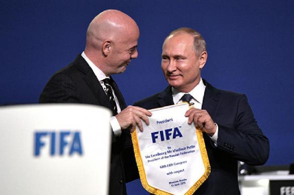 Инфантино переизбран на пост президента ФИФА при помощи аплодисментов