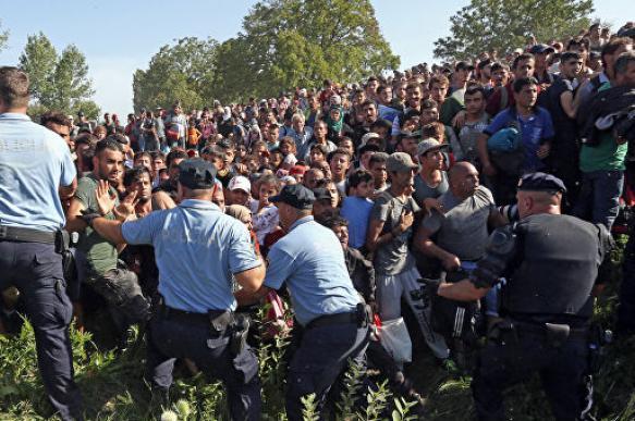 Хорватия для борьбы с мигрантами может отозвать с пенсии полицейских