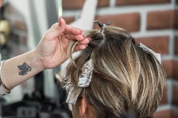 Депутат Госдумы предложила открыть парикмахерские и салоны красоты