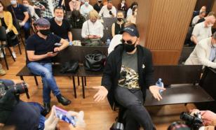 Защита обещала подумать об обжаловании приговора по делу Серебренникова