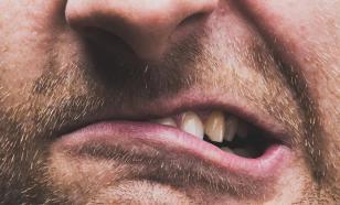Стиснутые зубы вызывают головную боль