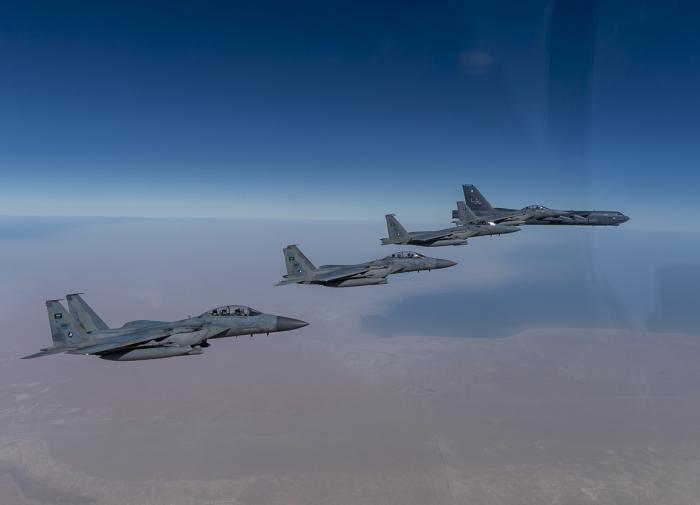 Бомбардировщики США пролетели над Ближним Востоком