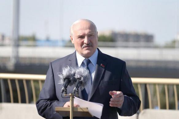 """Лукашенко призвал Россию поддерживать, а не """"наклонять"""" Белоруссию"""