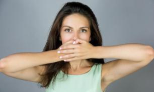 Врачи рассказали, о каких болезнях говорит запах изо рта