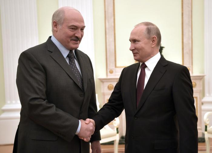 Путин создал резерв российских сил для помощи Лукашенко