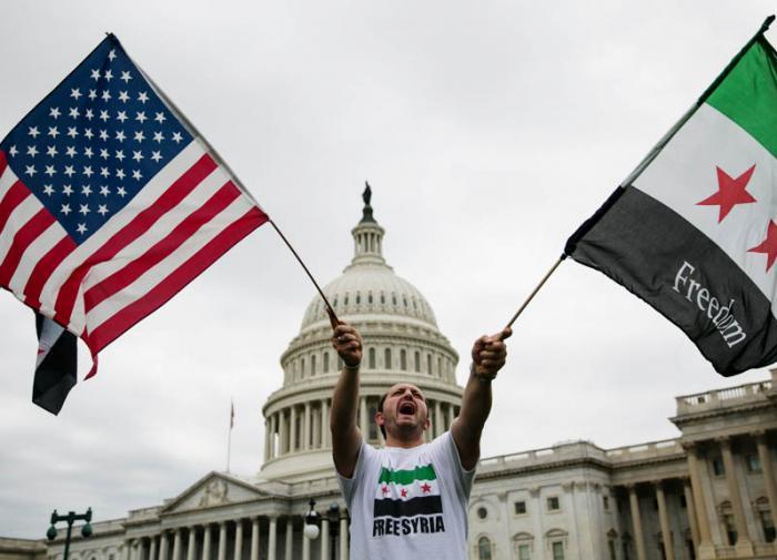 """Дилемма двух рук: зачем Штаты """"вдарили"""" по территории Сирии"""