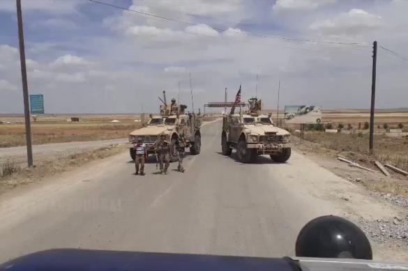 Российские военные заблокировали американский конвой в Сирии