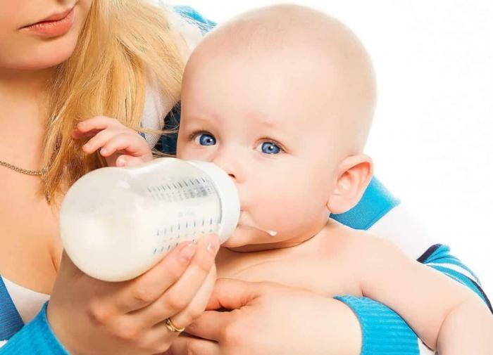 Кормление детскими смесями может спровоцировать развитие астмы