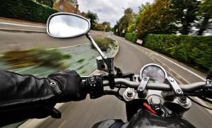 Пилот MotoGP спас свою жизнь, спрыгнув с байка на скорости 230 км/ч