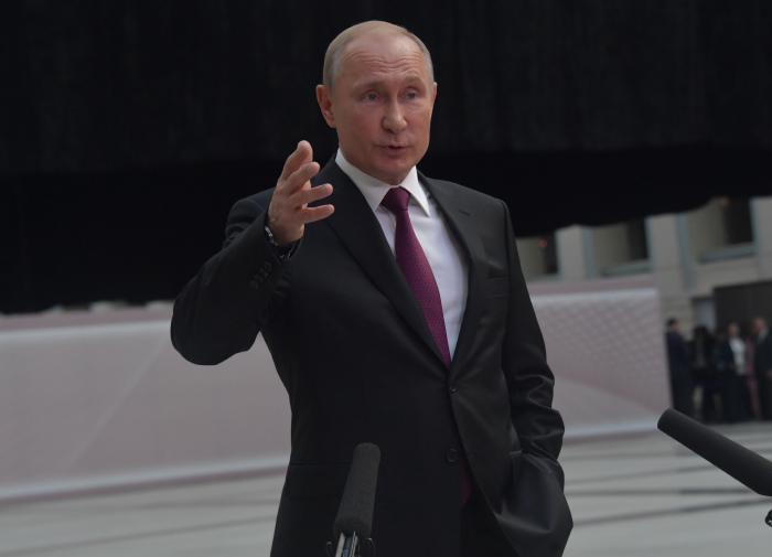 Прямой линии с Путиным не будет из-за Белоруссии - политолог