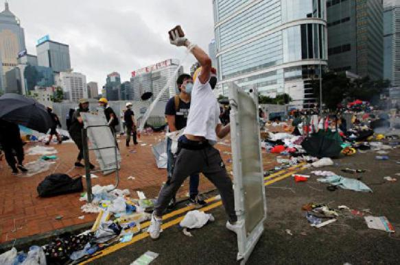 Полиция Гонконга заработала на протестах  млн