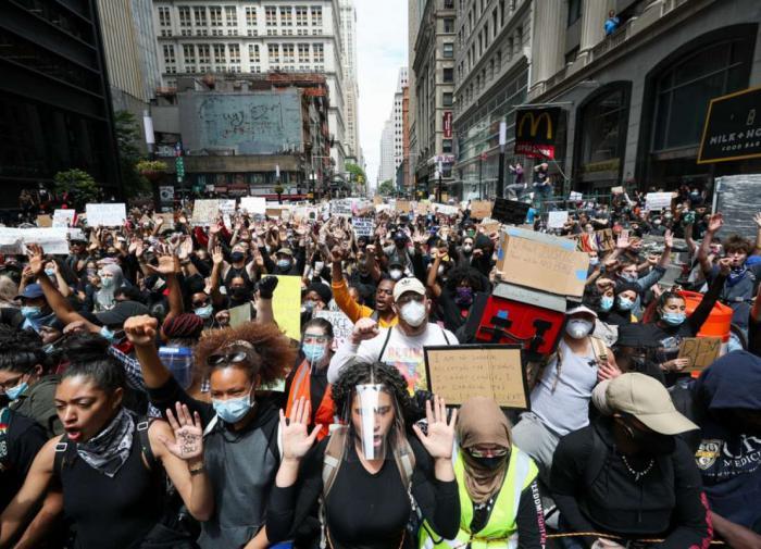 Трамп: антирасистские демонстрации подтолкнули рост заболеваний COVID