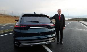 В Турции представили первый отечественный автомобиль